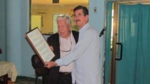 II simposio atención quemado - entrega reconocimiento Dr. Harley Borges