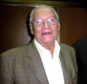 Prof. Evelio L. Cabezas Cruz