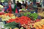 Frutas y hortalizas en un mercado de Budapest, en Hungría. Foto FAO G. Agostinucci